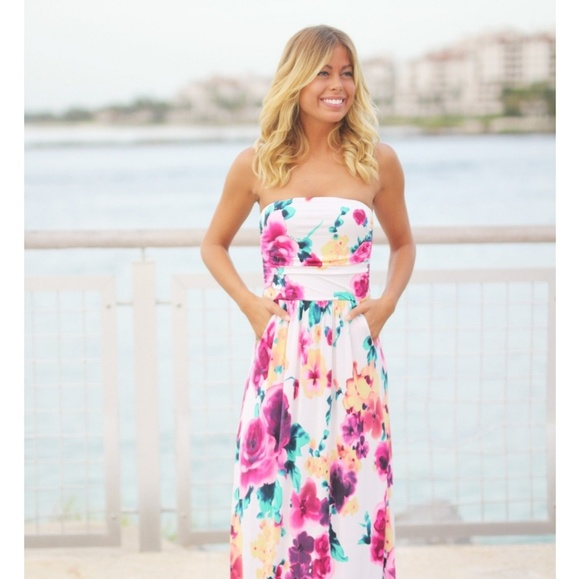 saved by the dress Dresses & Skirts - Ivory floral maxi dress with pockets